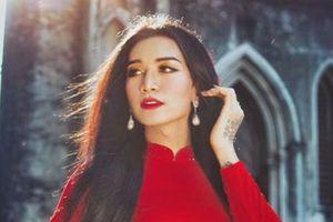 Sửng sốt với màn giả gái xuất sắc của BB Trần qua bộ ảnh áo dài tuyệt đẹp giữa lòng Hà Nội