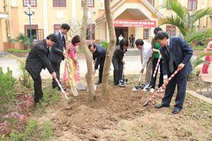 Hà Nội triển khai thực hiện cơ sở y tế 'Xanh - Sạch - Đẹp' năm 2019