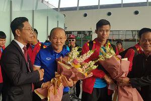 ĐT Việt Nam đặt chân tới Qatar, sẵn sáng tái đấu Philippines