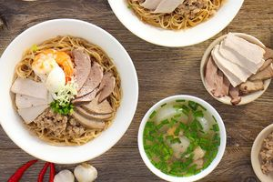 Đổi khẩu vị với 5 món ăn kiểu trộn hấp dẫn ở TP.HCM