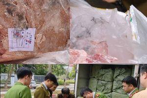 Hà Nội: Chặn bắt lái xe tải chở 2,5 tấn nầm động vật bốc mùi tuồn về Thủ đô