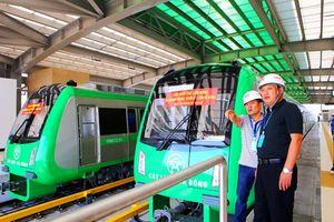'Mục sở thị' tàu điện trên cao đầu tiên của Hà Nội