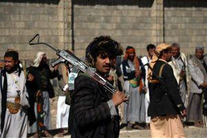 Phiến quân Houthi bắt đầu rút khỏi cảng Hodeida ở Yemen
