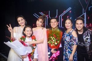Xúc động hành trình gian nan trở thành quán quân Giọng hát Việt nhí 2018 của 'cô bé nghèo ví dặm' Hà Quỳnh Như
