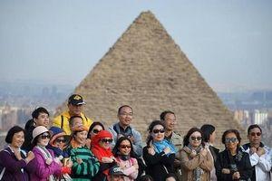 Người Ai Cập suy sụp sau vụ đánh bom du khách ở Cairo