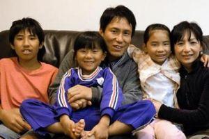 Nơi giỏi nhất nước Nhật về 'thúc' đẻ, mỗi gia đình có ít nhất 3 con