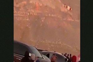 Trực thăng UAE 'xoay như lá' trước khi rơi tan tành, toàn bộ hành khách thiệt mạng