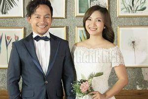 Trước ngày cưới, Tiến Đạt vẫn lo chuyện ô nhiễm môi trường, Thụy Vy khoe nhẫn kim cương