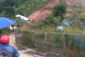 Khánh Hòa: Gia đình 3 người bị vùi lấp sau vụ sạt lở đất