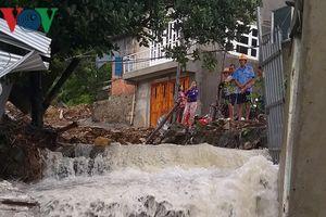 Khánh Hòa khẩn trương sơ tán dân ra khỏi vùng xung yếu