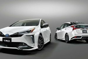 Toyota ra mắt bản độ TRD cho mẫu xe hybrid Prius