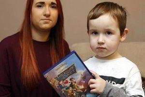 Mua đĩa DVD phim hoạt hình cho con xem, bà mẹ hoảng hốt khi thấy hình ảnh bên trong, vứt đĩa đi ngay lập tức