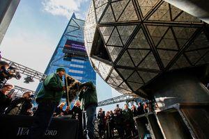 New York ráo riết chuẩn bị quả cầu pha lê khổng lồ đón giao thừa