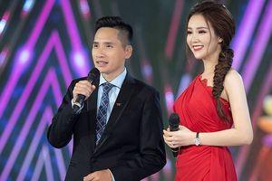 Á hậu Thụy Vân và BTV Quốc Khánh ghi hình 'Chào 2019' suốt 14 tiếng