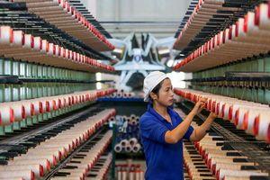 Giữa chiến tranh thương mại Mỹ - Trung Quốc, sản xuất Trung Quốc tiếp tục đi xuống