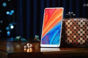 Đây là lý do tại sao CEO Xiaomi Lei Jun vẫn đang dùng MI Mix 2S chứ không phải MI Mix 3