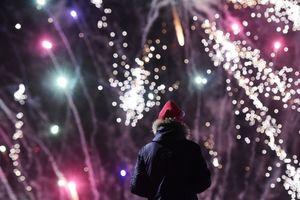 Muôn kiểu chào đón năm mới của người dân trên toàn thế giới