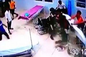 Hàng chục đối tượng xông vào đập phá trụ sở công an xã làm 3 người nhập viện