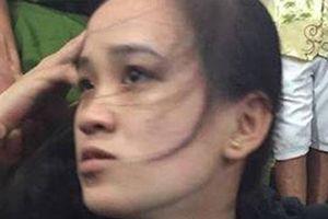 Thiếu nữ bị bắt khi giật dây chuyền tại hội chợ