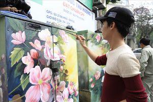 Hàng loạt bốt điện ở Hà Nội 'diện áo mới' đón Tết Dương lịch