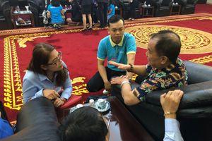 Hình ảnh nhóm du khách đầu tiên từ Ai Cập về đến Việt Nam