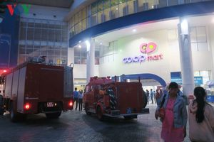 Siêu thị CoopMart Phan Thiết bị hỏa hoạn trong ngày mua sắm đầu năm