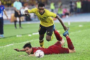 Chửi trọng tài trên sân Mỹ Đình, tiền vệ Malaysia bị AFF treo giò 4 trận