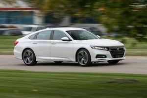 Đánh giá Honda Accord 2.4 AT về thiết kế vận hành và giá bán