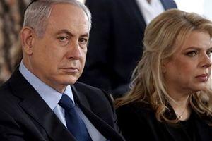 Vợ chồng Thủ tướng Israel tiếp tục bị cuốn vào kiện tụng