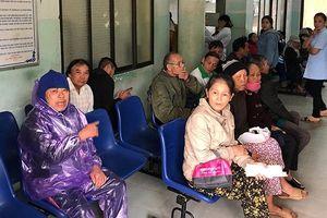 Thành phố không bệnh viện, người dân Quảng Ngãi phản ứng