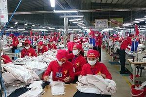 Thế giới nhận xét lạc quan về kinh tế Việt Nam năm tới