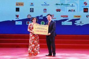 SHB trao tặng 1 tỷ đồng cho Quỹ vì người nghèo