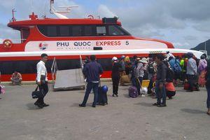'Cấm' tàu cao tốc hoạt động trên biển Kiên Giang để tránh bão số 1, nhiều du khách 'kẹt' lại Phú Quốc