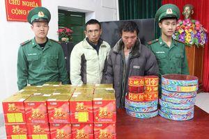 Đồn Biên phòng Bắc Sơn bắt hai đối tượng vận chuyển pháo nổ trái phép
