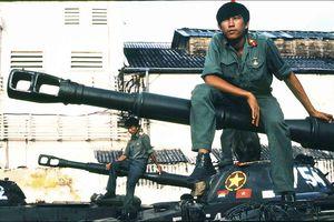 Chiến tranh biên giới Tây Nam: Kẻ thù buộc ta ôm cây súng (P.2)