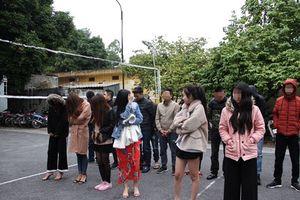 Hưng Yên: Bắt quả tang 16 thanh niên nghi sử dụng ma túy trong quán karaoke