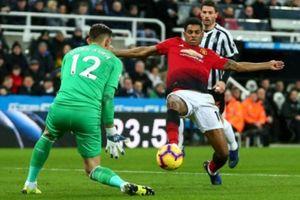 Newcastle - MU: 'Quỷ đỏ' nối dài mạch thắng