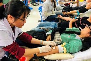 Sinh viên tình nguyện Đà Nẵng hiến gần 300 đơn vị máu