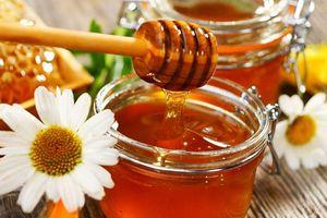 Mẹo làm đẹp đơn giản tại nhà bằng mật ong