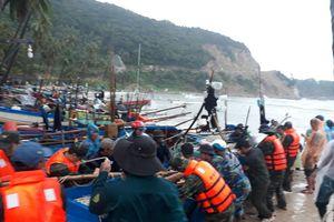 Kiên Giang: Nhiều tàu ghe tránh trú bão số 1 bị sóng đánh chìm