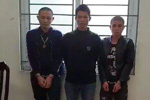 Sơn La: Nam thanh niên đóng thùng 7 bánh heroin rồi gửi xe khách về Hà Nội