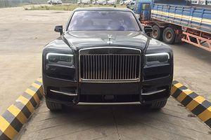 'Đập thùng' SUV siêu sang Rolls-Royce Cullinan tại Campuchia