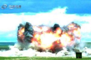 Trung Quốc tiết lộ hình ảnh 'mẹ của các loại bom' có sức công phá khủng khiếp
