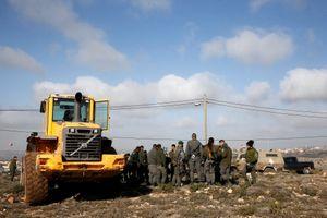 Israel đuổi người Do Thái định cư bất hợp pháp tại Bờ Tây