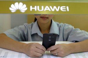 Huawei trừng phạt nhân viên đăng tweet chúc năm mới bằng iPhone