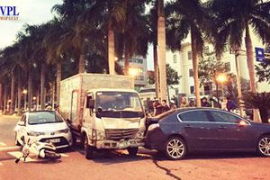 Xe tải 'điên' đâm xe chờ đèn đỏ đã quá hạn kiểm định
