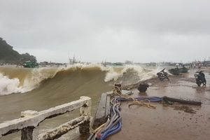 Kiên Giang: Bão số 1 làm chìm 65 tàu thuyền