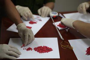 Tóm gọn các đối tượng tàng trữ hơn 1 cân ma túy đá, 3000 viên 'thuốc lắc'