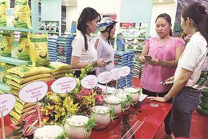 Cách nào nâng giá trị cho gạo Việt ?