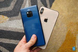 Huawei phạt nặng 2 nhân viên đăng bài của hãng bằng iPhone